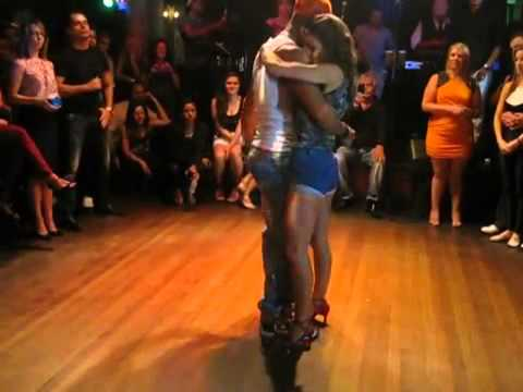 Latin Dance Central - Felix & Iris - Kizomba DEMO - Vivas NightClub 2013
